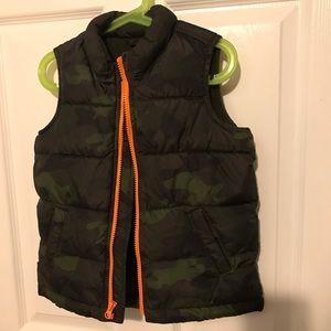 Old Navy - Camo puff vest (boys)